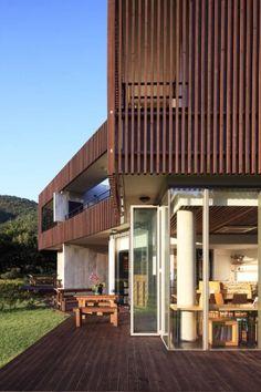 Private home and pension by Design Group Ozin Hwangnak-ri, Haemi-myeon, Seosan-si, Chungcheongnam-do, Korea.