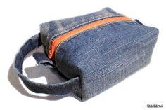 Hääräämö: Farkkupenaalista kolme versiota + ohje Pencil Case Tutorial, Sewing Crafts, Sewing Projects, Denim Ideas, Recycle Jeans, To Go, Old Jeans, Recycled Denim, Pencil Cases