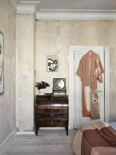 Bedroom With A Vintage Look