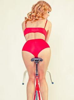 5-road-bicycles-1-woman-sharp-photoshoot-13