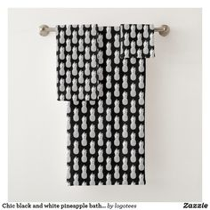 Chic black and white pineapple bathroom towel set - luxury gifts unique special diy cyo - March 03 2019 at Black And White Living Room, Black White, Big Baths, Bathroom Towels, Bathroom Fixtures, Bath Towels, Bathrooms, Bath Towel Sets, Bathroom Interior Design