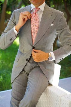 Black and White Pinstripe Cotton Necktie Wool Tie, Knit Tie, Mens Fashion Suits, Mens Suits, Costumes Gris Clair, Italian Style Suit, Velvet Dinner Jacket, Italian Mens Fashion, Paisley Tie