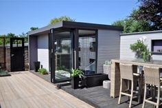 Contemporary Garden Rooms and Bespoke Garden Office by 3dg Design