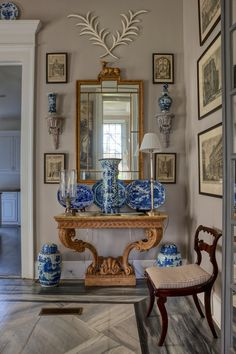 entry by interior designer Furlow Gatewood. blue and white Chinoiserie porcelain Blue And White China, Blue China, Blue Gold, Interior Decorating, Interior Design, White Rooms, White Decor, Beautiful Interiors, White Porcelain