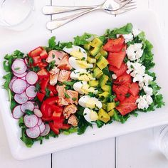 Salmon Cobb Salad {how-to} — The Delicious Life Seafood Recipes, Beef Recipes, Cooking Recipes, Healthy Recipes, Salad Bar, Soup And Salad, Cobb Salad, Salad Dressing Recipes, Gourmet