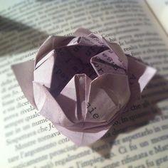Progetto di MilanoFree  #poesieinfiore #origami #milano http://www.youtube.com/watch?v=logIc49UWh4