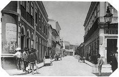 A cidade de São Paulo - Brasil -  foi tema para diversos fotógrafos na virada do século XIX e na primeira metade do século XX. . Sem exageros, um dos precursores desta documentação foi o fotógrafo carioca Militão Augusto de Azevedo (1837-1905), pioneiro e referência para as gerações seguintes.