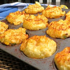 Mini Shepherds Pies - - and I do mean 'pies'! www.myyellowfarmhouse.com