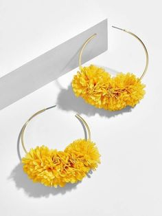 Jewelry Box BaubleBar Sanchia Hoop Earrings - Trendy tufts lend a pretty pop of color to these of-the-moment hoop earrings. An absolute must-have for every jewelry lover, these pair perfectly with everything from playful motifs to subdued hues. Cute Jewelry, Boho Jewelry, Bridal Jewelry, Silver Jewelry, Vintage Jewelry, Jewelry Accessories, Jewelry Design, Fashion Jewelry, Handmade Jewelry