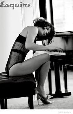 A namorada do músico.