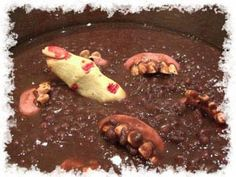 Want to have a ton of Halloween recipes fun with your kids or your guests? Check out our great selection of fun and creepy Halloween treat recipes. That is, if you dare! Zombie Party, Halloween Food For Party, Holidays Halloween, Halloween Treats, Halloween Foods, Creepy Halloween, Halloween Stuff, Halloween Entertaining, Nerf Party