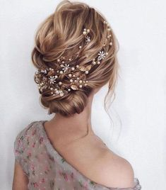 Bridal Gold hair vine Gold headpiece Crystal pearl hair vine Gold leaf hair vine Wedding hair piece Flower hair vine Bridal hair jewelry - New Ideas Bridal Hair Updo, Bridal Hair Vine, Wedding Updo, Headpiece Wedding, Fall Wedding Hair, Wedding Makeup, Wedding Hair Side, Romantic Wedding Hair, Hair Pictures
