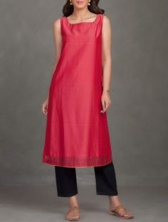 Red Sleeveless Chanderi Kurta with Contrast Facing