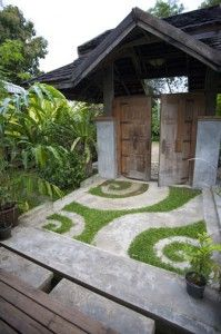 one of the cool concrete and grass designs I marveled over at Pai Chan Guesthouse, Pai, Thailand