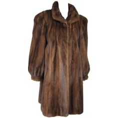 Pre-owned Vintage 1940's-50s Mink Swing COAT XL (17,730 MXN) ❤ liked on Polyvore featuring outerwear, coats, coats and outerwear, swing coats, brown mink coat, long vintage coat, vintage mink coat, mink fur coat and long mink coat