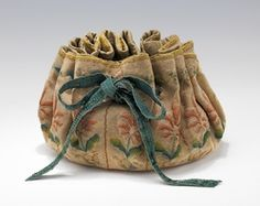 French silk gaming purse, 1690-1710 (Brooklyn Museum Costume Collection at The Metropolitan Museum of Art)