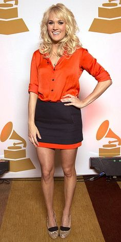 Country singer, Carrie Underwood is 5 ft 3 in or 160 cm tall.