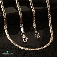 Cadena Serpiente Grabada 4mm Oro Laminado 18k: $200.000🎖 . . Todas nuestras joyas en Oro Laminado cuentan con garantía de por vida 💎 . . Fundimos Oro 18K sobre una resistente base de titanio para lograr color, brillo y textura del oro italiano 💯 . esmeraldascolombia.com 14k Gold Necklace, Wallet, Chain, Color, Style, Stud Earrings, Necklaces, Bangle Bracelets, Colombian Emeralds