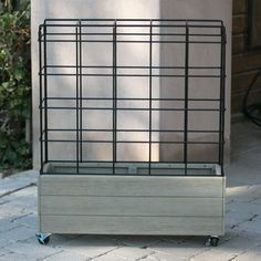 Incorporate a unique structure in your garden or yard with the Belham Living Cottonwood Planter on Wheels with Trellis . This planter is set on wheels. Privacy Planter, Privacy Screen Outdoor, Vertical Planter, Backyard Privacy, Backyard Fences, Outdoor Planters, Modern Front Porches, Cozy Coffee Shop, Metal Trellis