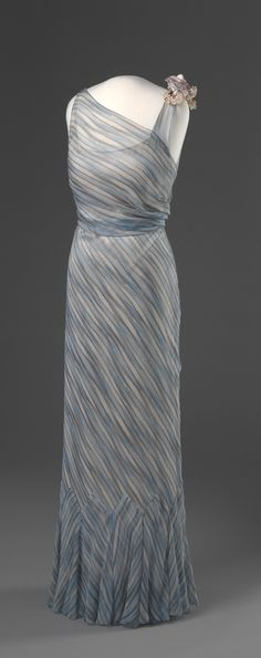 Evening Dress 1935 Nasjonalmuseet for Kunst, Arketektur, og Design