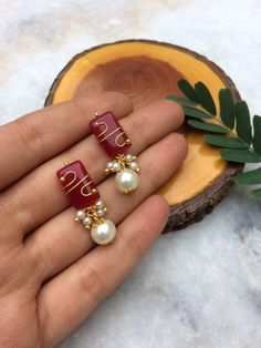 Marsala Stone and Pearl Stud Earrings - Art Jewelry Women Accessories Fancy Earrings, Jewelry Design Earrings, Gold Earrings Designs, Gold Jewellery Design, Ear Jewelry, Pearl Stud Earrings, Gold Jewelry Simple, Women Accessories, Marsala