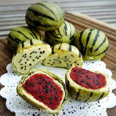 Baking Taitai 烘焙太太: Watermelon Shaped Pastry Mooncake 西瓜造型月饼 (中英食谱教程)
