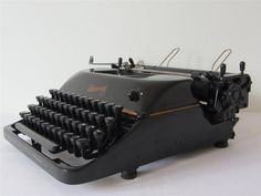 Vintage Rheinmetall Portable Typewriter FRENCH KEYBOARD-WORKING & FULLY SERVICED