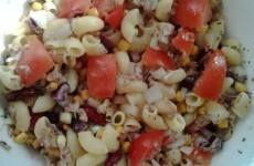 Zöldséges kölespogácsa - gluténmentes recept Cobb Salad, Healthy Snacks, Grains, Rice, Food, Meal, Health Snacks, Essen, Healthy Snack Recipes