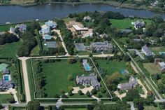 Famous folk at home: Jennifer Lopezs $10 million, 3 acre Hamptons house in Water Mill, New York