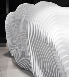 éLÉMENT DE DÉCORS ÉVOQUE LA TOPOGRAPHIE (Amazing Sculptural Reception Desk of Luxury Group in Cyprus)