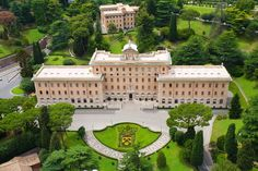 Stunning gardens of The Vatican Rome, Italy. #vaticancity #rome