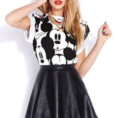 There are 3 tips to buy shirt, mickey mouse, skirt. Hipster Outfits, Cool Outfits, Only Shirt, Cool Girl Style, 2014 Fashion Trends, Girl Fashion, Fashion Outfits, Grunge Fashion, Half Shirts