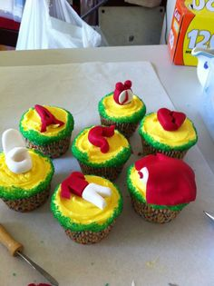 Themes cupcakes. They all meant something to someone at the party. And yes that is a Loo!