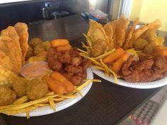Wepa ! Buen Provecho ... Omg, pero que delicia!!! Aqui frituras desde Puerto Rico . #empanadillas #rellenos #mini mofonguitos #sorullos #chicharrones de pollo #platano fries y mayoketchup