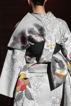 The almost monotone color - Grey Kimono Yukata Kimono, Kimono Fabric, Kimono Dress, Traditional Kimono, Traditional Dresses, Fashion Mode, Japan Fashion, Female Suit, Modern Kimono