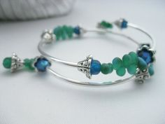 Memory wire bracelet bangle bracelet green by Beadingbytheshore, $20.00
