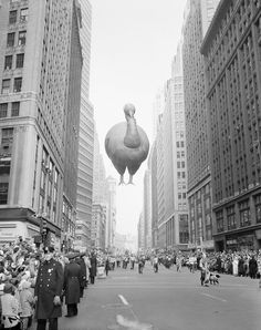 Giant turkey float during the 31st annual Macy's Thanksgiving Day Parade moves down Broadway near 37th Street in New York, Nov. 28, 1957 [1280×1618] : HistoryPorn