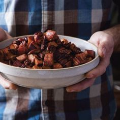 Smoky Candied Bacon Sweet Potatoes - Celebrations Cookbook by Danielle Walker Candied Sweet Potatoes, Sweet Potato Pecan, Candied Bacon, Sweet Potato Recipes, Soup Recipes, Whole Food Recipes, Vegetarian Recipes, Dessert Recipes, Vegetarische Rezepte