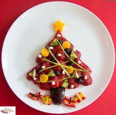 Strawberry Christmas Tree ☆.•*´¨`*•.☆••☆.•*´¨`•☆.