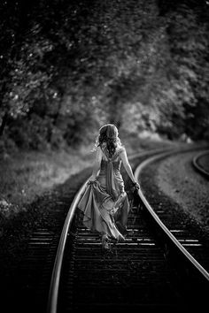 ☾ Midnight Dreams ☽  dreamy & dramatic black and white photography - photographer unknown