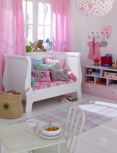 Sleigh bed/ day bed @Taylor Ballweg