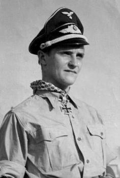 ✠ Hans-Joachim Marseille (13 December 1919 - 30 September 1942) Killed in a flying accident. RK 22.02.1942 Leutnant Flugzeugführer i. d. 3./JG 27 06.06.1942 [97. EL] Oberleutnant Flugzeugführer i. d. 3./JG 27 18.06.1942 [12. Sw] Oberleutnant Staffelkapitän 3./JG 27 03.09.1942 [4. Br] Oberleutnant Staffelkapitän 3./JG 27