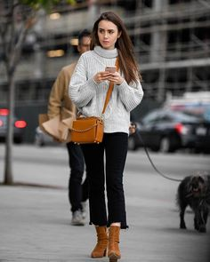 Lily Collins Casual, Lily Collins Short Hair, Lily Collins Style, Lily Collins Fashion, Komplette Outfits, Casual Outfits, Fashion Outfits, Dinner Outfits, Teen Vogue