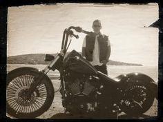 http://i699.photobucket.com/albums/vv354/808story/meandbike.jpg