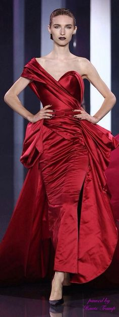 Ralph & Russo's Fall-Winter 2014-2015 haute couture collection HT