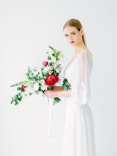 bouquet // Minimalist Wedding Inspiration from Love &