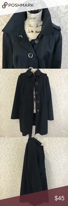 Micheal Kors Trench Coat Size XL Great pre owned condition, no rips, Coat is missing belt, can be worn without or any black belt could work Michael Kors Jackets & Coats Trench Coats