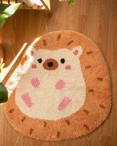 Funky Rugs, Cool Rugs, Punch Needle Patterns, Rug Making, Fiber Art, Hedgehog, Diy And Crafts, Weaving, Room Decor