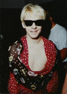 Surprising show of Nick's chest! Nick Rhodes, Amazing Songs, British Boys, Great Bands, The Past, Sunglasses, Guys, Concert, Music