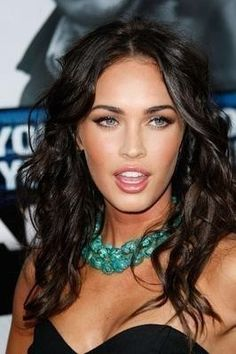 Megan Fox wears this chunky turquoise necklace well.. I want it!